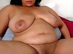 Amateur redbone BBW spreads her pink pussy wide
