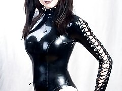 Hot brunette Tranny posing in latex