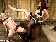Sasha Knox returns to Kink.com hotter than ever! Sasha, s true submissive who enjoys pushing her...