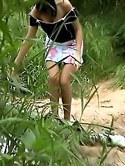 Unsuspecting girl filmed on the sly outdoors