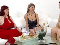 Roxanne Miller, Joanna Bliss, Katerina Hartlova