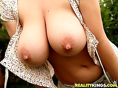 Super hot plump ass big succulent tits babe gets her body drilled hard at the pool in these hot...