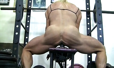 Mädchen sport nackt Mädchen Sport