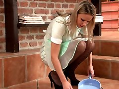 Samantha Jolie, the pretty young girdle maid