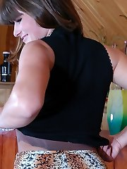 Clothed up waitress finds a run and puts on new sheer-to-mid-body pantyhose