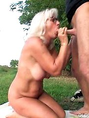 Granny gives a good sloppy blowjob