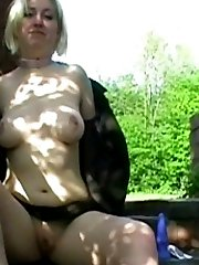 Nude UK chick takes a stroll