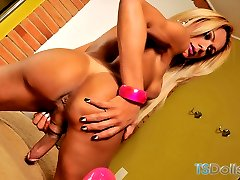 Amazing blonde tranny Agatha McCartney