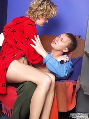Nasty pantyhosed chick ironing before surrendering to giving frenzied head