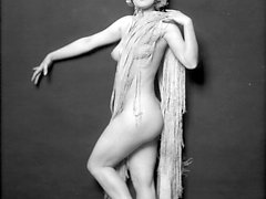 Enjoy ideal forms featured in erotic vintage