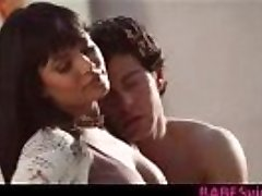 La beauté orientale Shazia Sahari passion du sexe