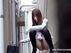 Çinli kızlar tuvalete gidin.18