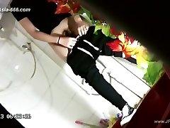 les filles chinoises aller aux toilettes.43