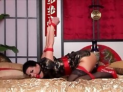 Kimono & Estrapade dans le Lit