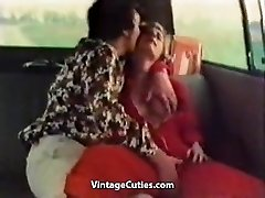 Kinky Girl Finger-banged in a Car