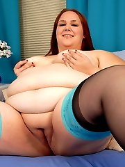 BBW Red Head Shows You How She Loves Her Dildo