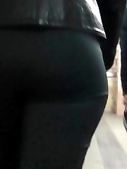 Girl's hottest upskirt shot in the crowd
