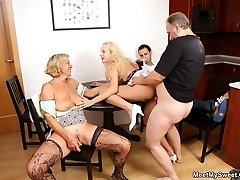 His girlfriend comes over for dinner and they have a red-hot 4some with the family