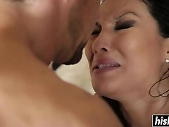 Asian beauty enjoys riding his rod