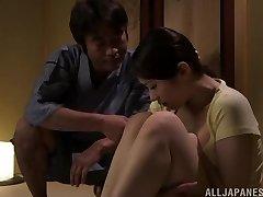 Karstā Āzijas milf Asami Nanase dod sejas jāšanās