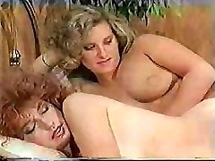 Humungous-dicked tranny makes her sexy girlfriend feel really excited