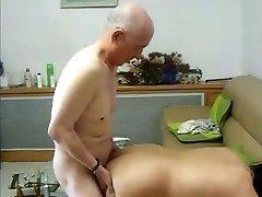 Fucking Friend 's Oriental Granny