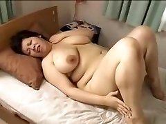 Japan big nice-looking woman Mamma