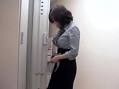 Naughty asian whore fucked by massagist in hot voyeur movie