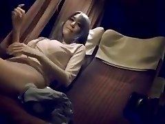 成熟した女性と夜行バス
