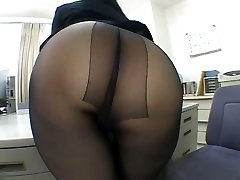 One of the hottest panty hose pipe idolize scenes EVER!