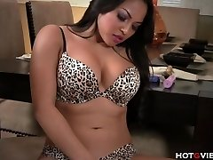 Real Curvy Asian�s Screaming Climax