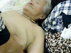 80yr eski Japon Büyükanne Hala Kremalı (Sansürsüz)alır