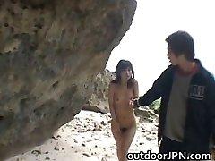 Süper sıcak Japon babes garip seks yapıyor