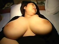 CHESTY PLUMPER ASIAN NUBIAN