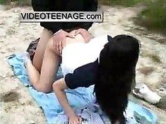 teen אסיה זיין חיצונית על החוף