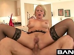 BANGcom: Dudes Who Fuck The Step Mommy