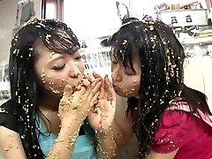 Subtitled extreme Chinese natto sploshing lesbians