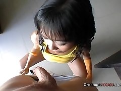 Tiny girl cummed in