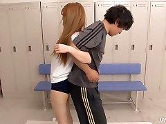 Fitnes trening spremeni v troje za srčkan Asian chick