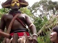 japonski žena veliko črno kurac gangbang