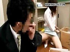 A tinédzserek Japán hivatal csavargó lesz vele a piszkos, régi főnök