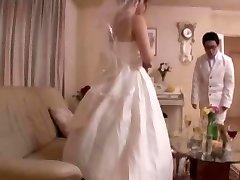 Menyasszony - a Szoknyája Alatt