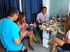 태국자와 여자는 술(에서 새로 Aug1,2016 년)
