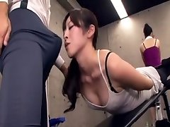 Japanese lecturer acquires bulge at the gym