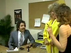 Chubby brunette secretary gets laid with lippy Arab fellow