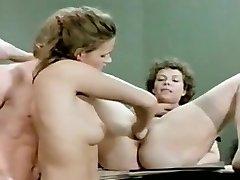 Horny Fisting, Threesomes fuckfest video