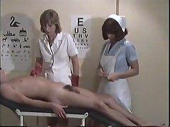 پرستار خدمات برای دختر