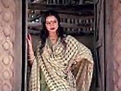 bollywood actress rekha tells how to make orgy