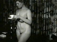 Saucy Smokin MILF uit 1950's