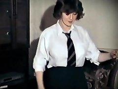 הרבה רוזי - בציר ציצים גדולים תלמידת בית ספר ריקוד חשפנות